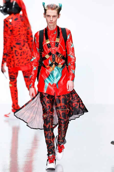 katie-eary-fall-winter-2014-show-0021