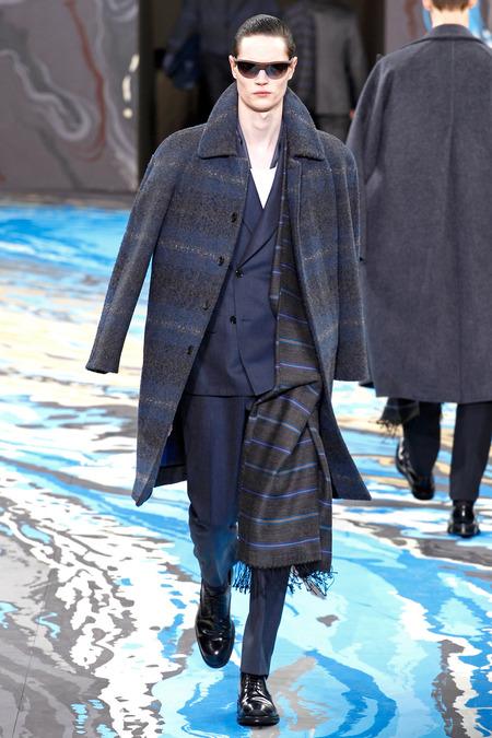 Louis Vuitton43