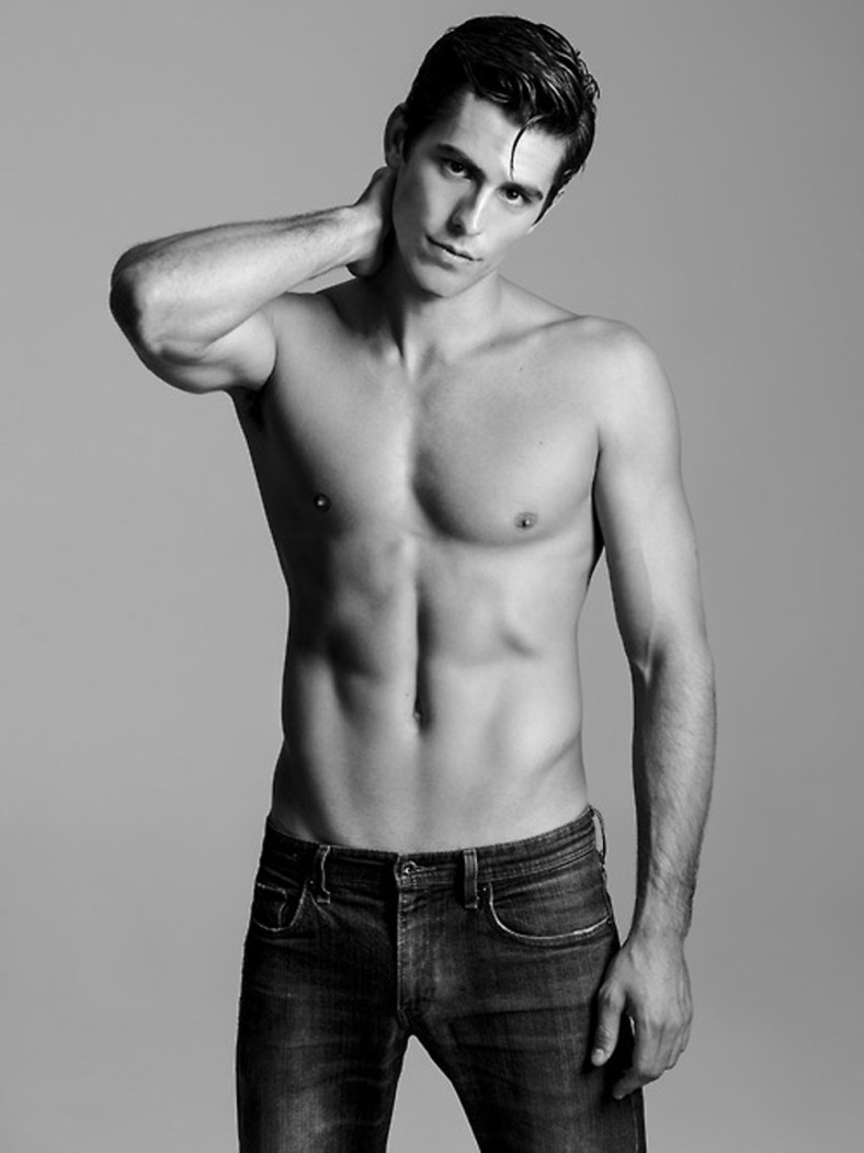 Michael Aaron By Tommy Chung Fashionably Male
