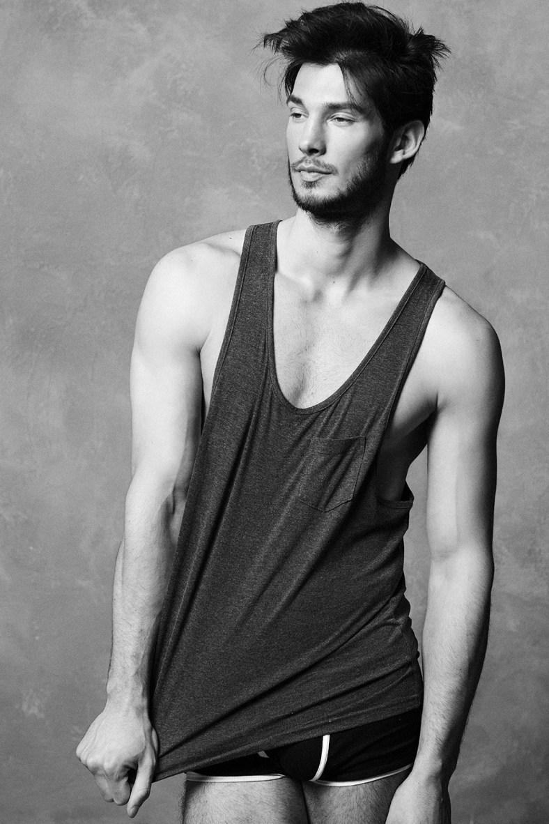 Miguel-Roriz-by-Photographer-Darren-Skene-140610-01