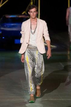 Roberto-Cavalli-Men-Spring-Summer-2015-Milan-Fashion-Week-002