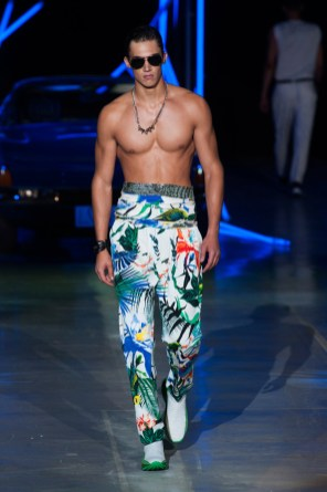 Roberto-Cavalli-Men-Spring-Summer-2015-Milan-Fashion-Week-018