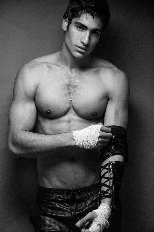 The Fighter - Latin Fashion News June 20141