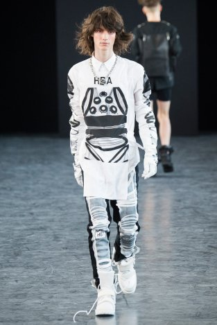 Hood by Aire 07