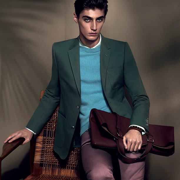 Lensed by photographers Mert Alas and Marcus Piggott, the Gucci Cruise 2015 campaign celebrates the season's fresh allure and sensual elegance. Making its worldwide debut here, the new collection will be available in stores and on gucci.com later this month.