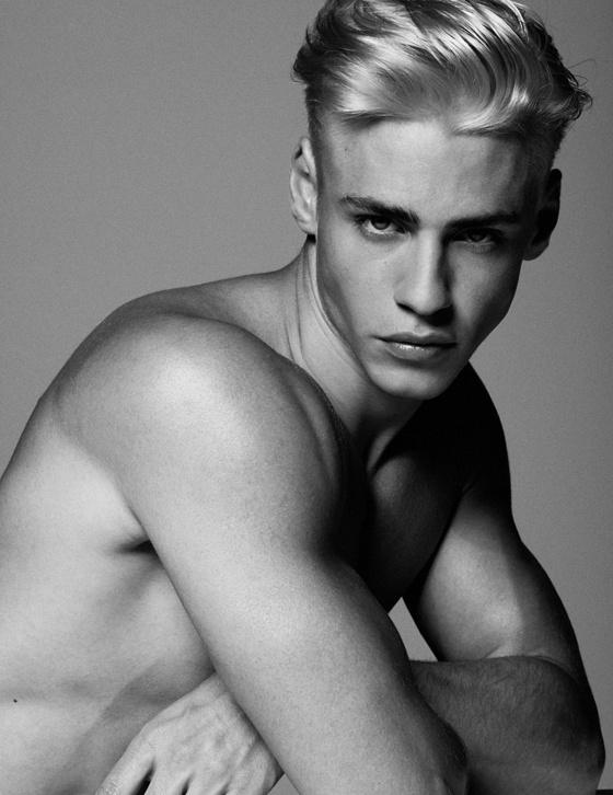 Nationality: Austrian Height: 184 cm  Bust: 94 cm Waist: 81 cm Hip: 95 cm Eyes: Green  Hair: Blonde  Agencies:  Wiener Models New Madison Paris