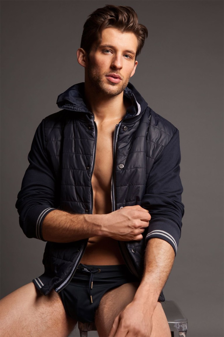 This is a really nice work, and let me tell you why. Not only because Michael Dar has a very clever eye presenting his work with Benjamin a beautiful male model, but this is the right right propose to take your snaps with a real professional photographer.