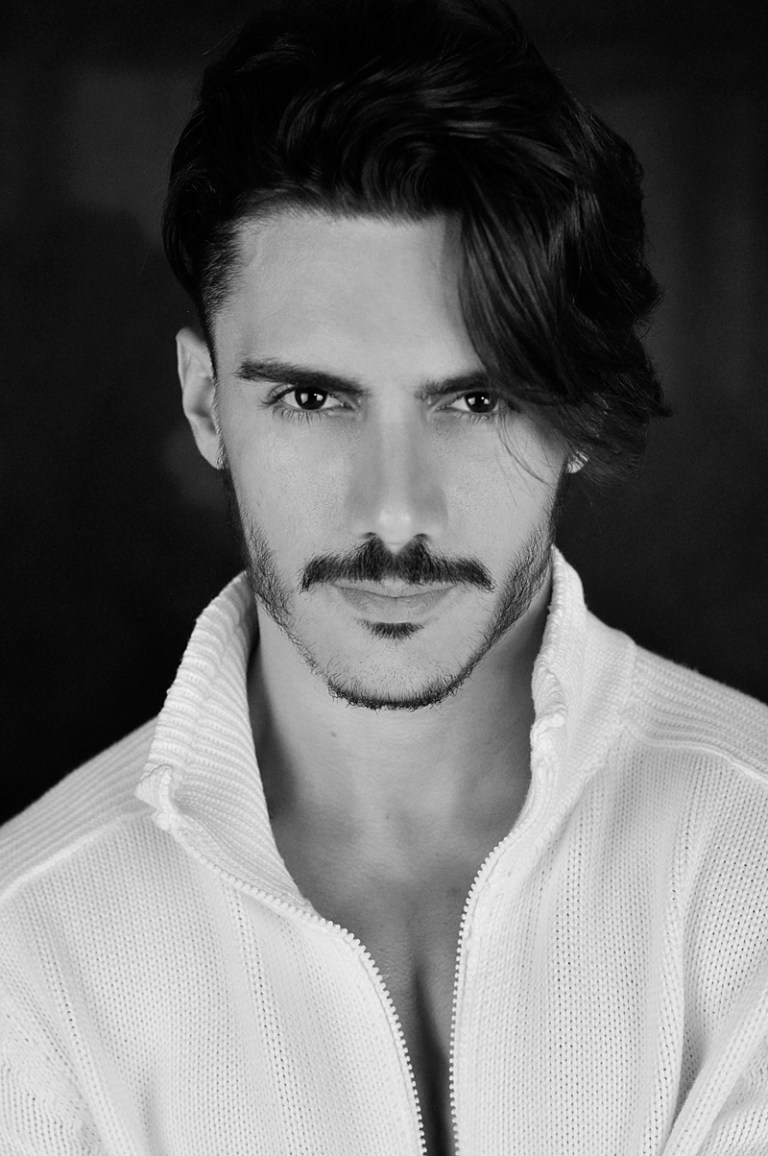 Stunning Brazilian model Reno Di Gois from Tango Management in a new shooting by Hudson Rennan. Reno is now in Hamburg with Modelwerk to spread a new season.
