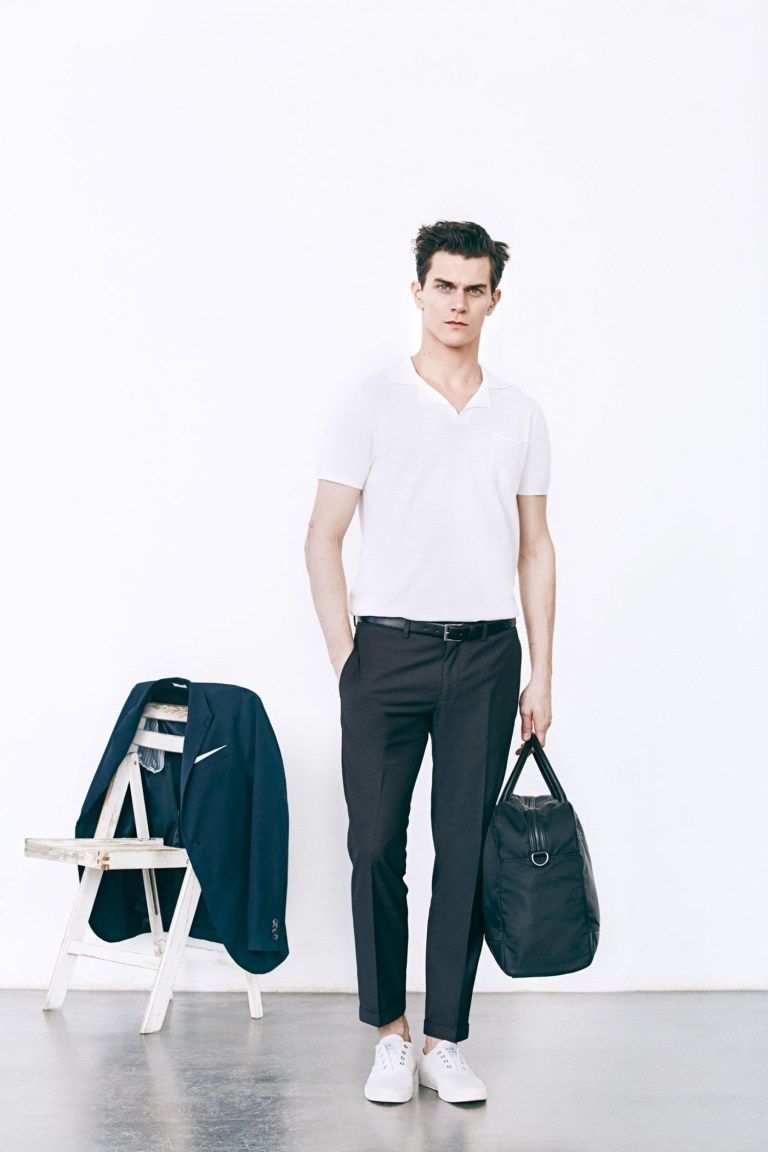 The new S/S 2015 lookbook from Mango Man is wearable for young and adult people who wants to look stunning  in a classic way, modern cuts, comfy fabrics and very nice patterns.