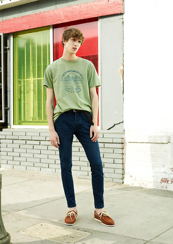 From Pull&Bear basic jeans and t-shirts.
