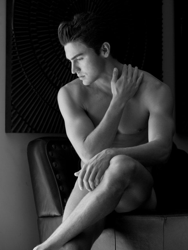 Gorgeous American model Sean Daniels stops by the studio of photographer Karl Simone for a beautifully shot B&W portrait at NYC.