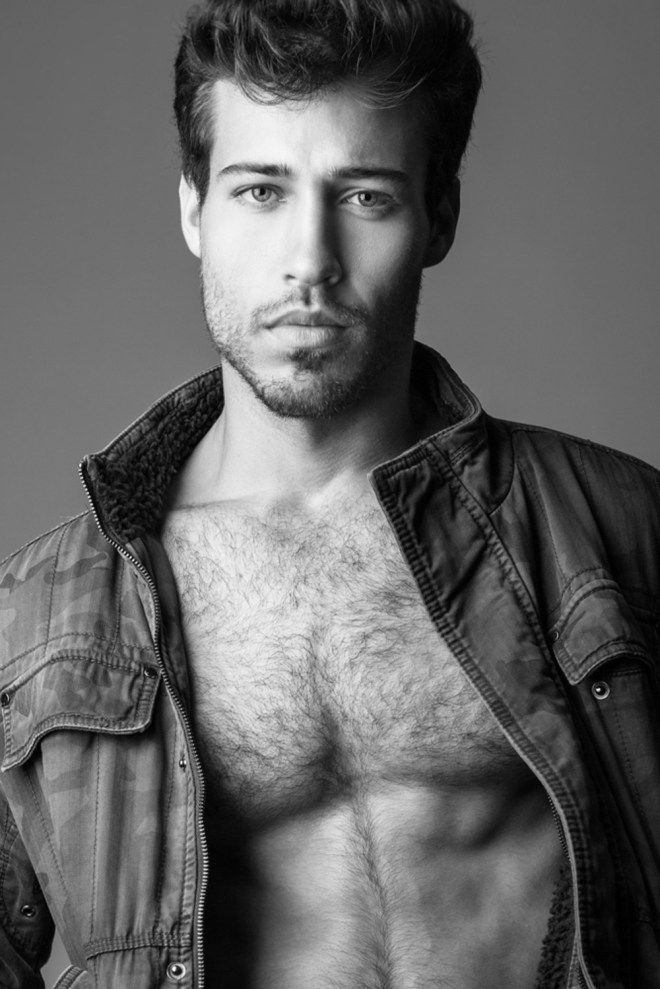 Exclusive for Fashionably Male we share a captivating new face, Tamir Hausman, signed at Mars Management, builds up his model book with an eye-catching portrait series by photographer Nir Slakman.