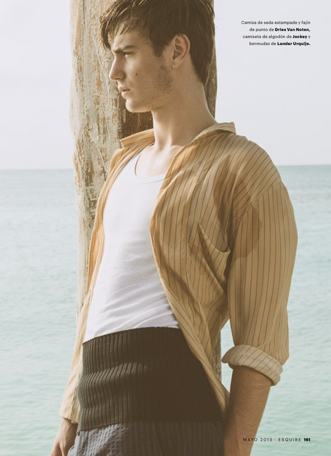 Ben Allen captured by the lens of Alfonso Ohnur and styled by Inés Ibán, for the May 2015 issue of Esquire Spain.