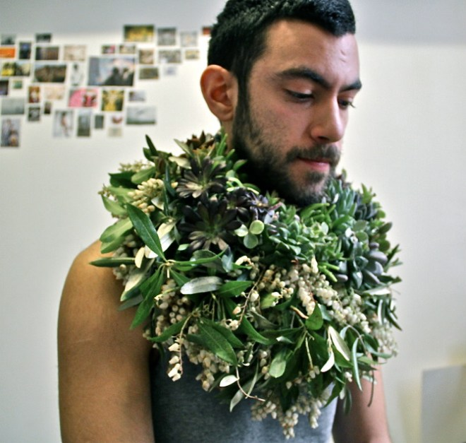 Les Ephemeres is a real and original concept by floral artist Jérémy Martin, a real true artist making beautiful floral bouquets but not only for his own flower shop, also has been featuring in the fashion world working for Lash Magazine and Rossy de Palma. You can see his bodyshop at here and his own work at here.
