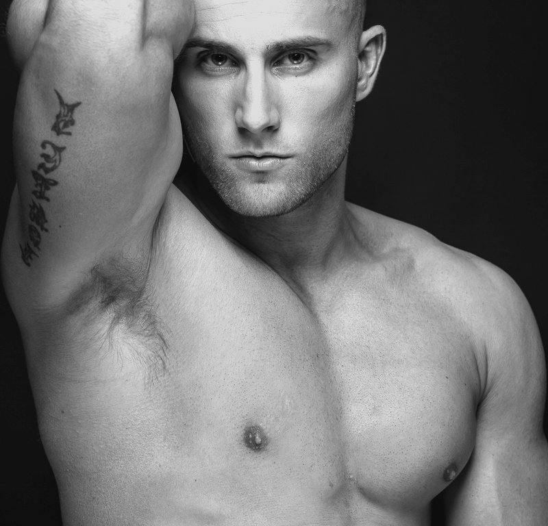 CMI presents handsome Jeremy Fowler in exclusive debut for Fashionably Male. Jeremy is captured by the talented Hayden Su.