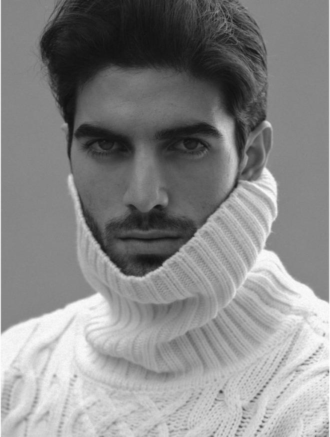 6'2 of beauty, represented by View Management at Barcelona, Andrés Manzano a new dreamy boy, hitting every single spotlight to make a good modeling career he currently walked for Dolce & Gabbana Alta Sartoria F/W 2015.16 Portofino.
