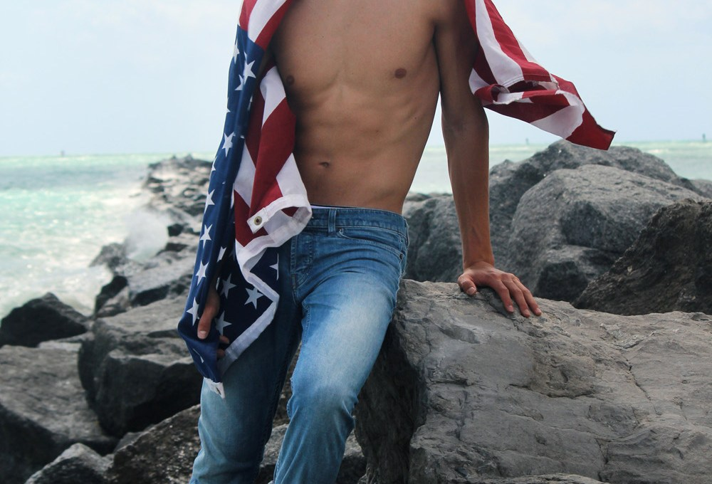 """Presenting the second part of the entitled project work """"Murica"""" by photographer Rubén de Peña with stunning male model Gordon Winarick a beautiful face signed by Elite Model Miami."""
