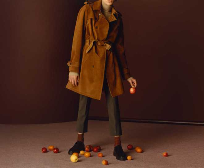 Index major fast fashion company Zara reveals Autumn Winter 2015 Campaign with a real statement, red, warm citric colors. All elements are really good, I've always admired all people behind this, they really know what they are doing.