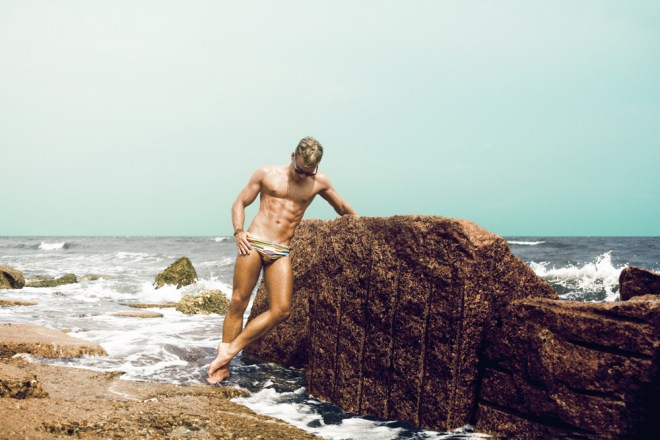 DW Chase model brings a really cool new set gfeaturing a new Australian Swimwear brand called MAHJII, photos were done by Zest Photography of Houston, TX. Location of the shoot was the historic Galveston Island Seawall in the Gulf of Texas.