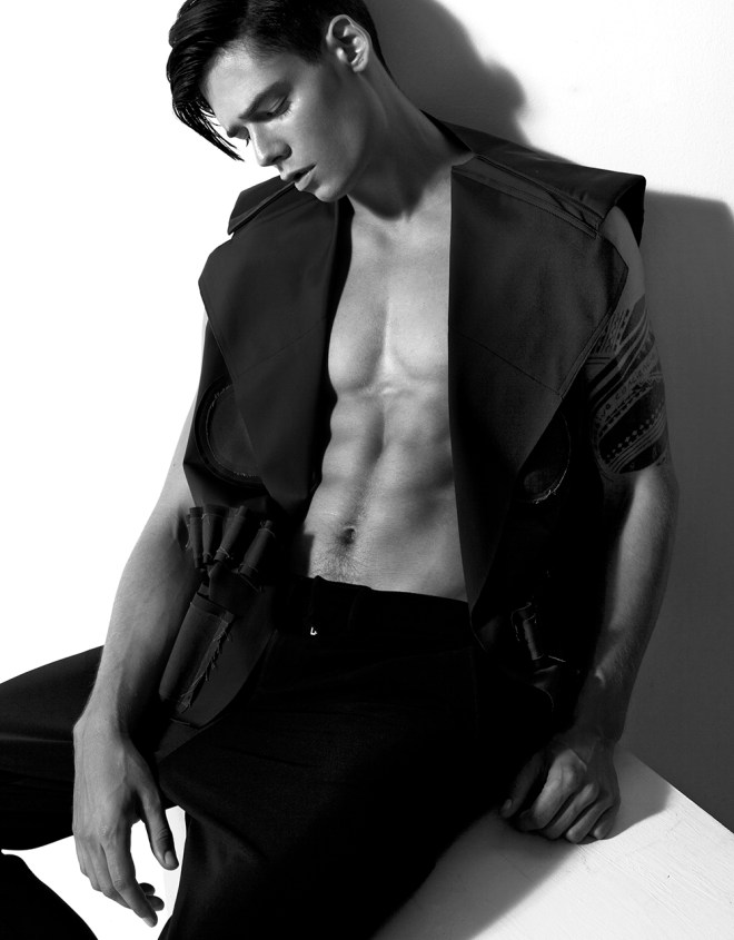 Showing off some new pics by male model Mario Adrion snapped by Nino Yap, they're amazing tho! Mario looks stunning, a very good job!