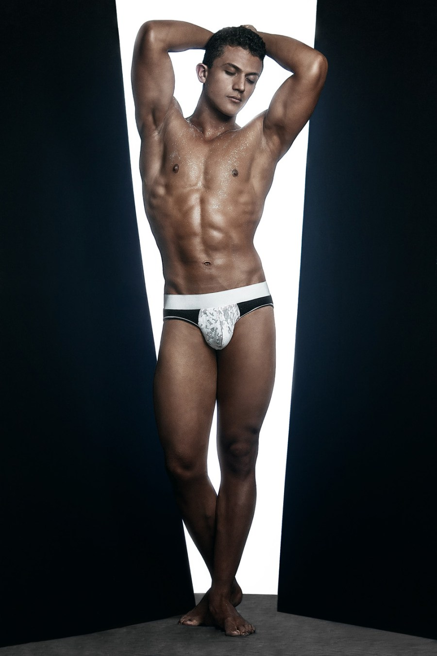 Erik Ramos by Chris Femat for Fashionably Male418