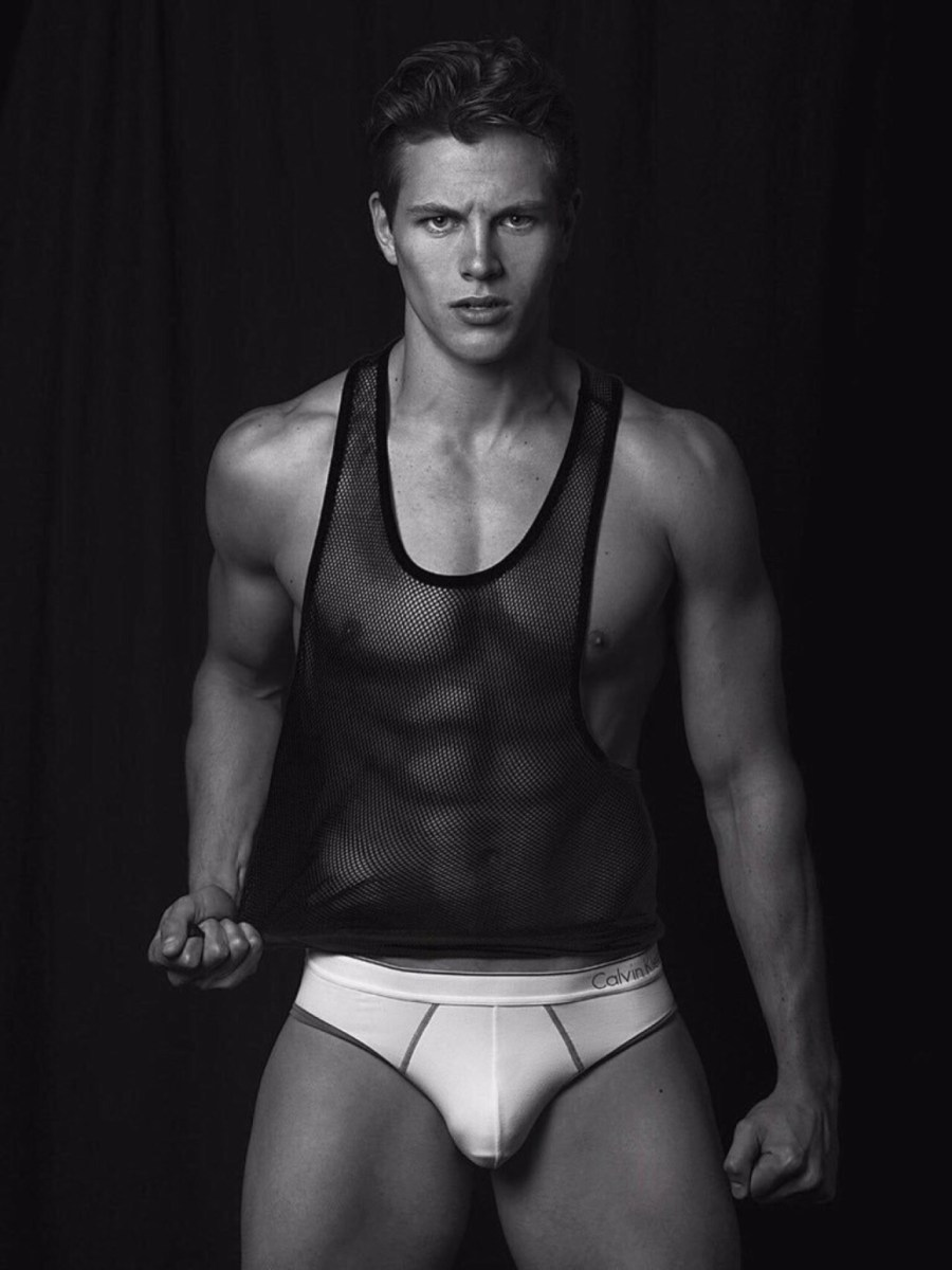 He's exploded onto the modeling scene…charming and engaging fans with his sunny personality and handsome good looks. Alex Valley is a small town boy making good in the big city. Based in New York, Alex is with Soul Artist Management in NYC and Front Model Management in Miami.