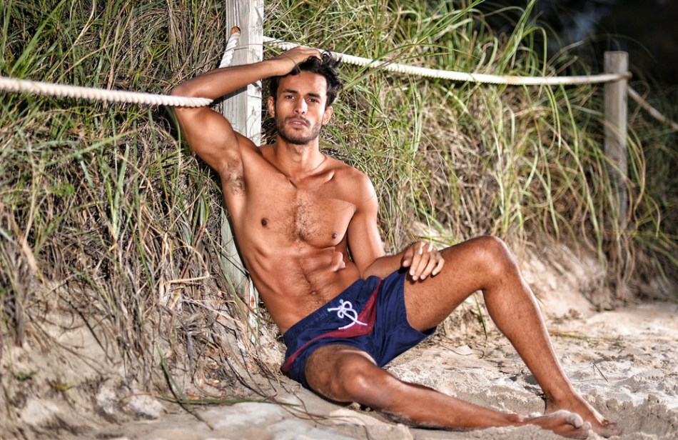 4 thins you need to know about Renato Freitas' modeling career, we've been following him since 2012 and he's better than ever: 1) you must possess a toned fit body, freaking abs! 2) A beautiful skincare, no tanning he's natural, Brazilian origin 3) always posing in swimsuit and underwear and tiny bikini 4) Traveling and working in Asia for several years, hitting EEUU like this shot taken in Miami by Dominic Ditanna (IG @amazingdom) Mother agency Fly Models Mgnt (IG @flymodelsmgt) Next Models Miami.