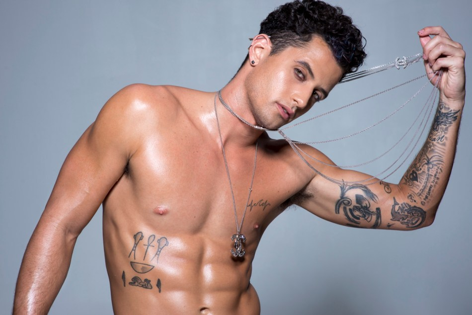 Another underwear series by talented photographer Juliana Soo, in this time we have the dashing beauty of model Christian Daniel Ortiz, he's represented by Twenty-one MM.