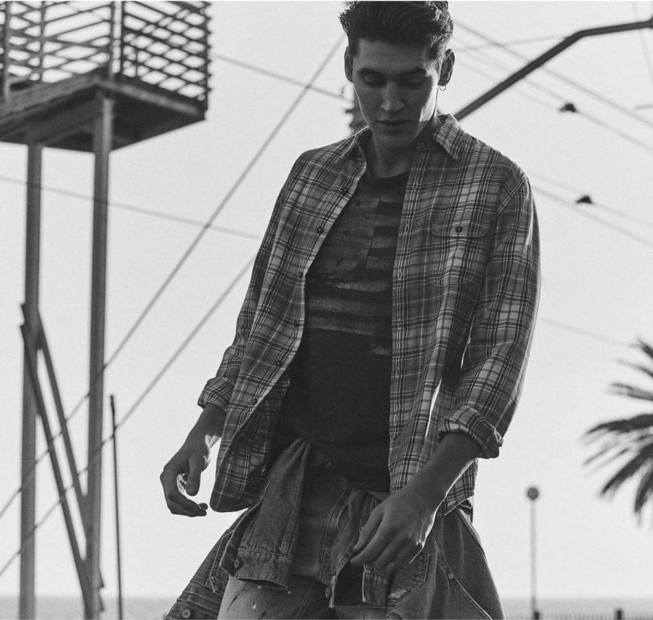 MANGO Man presentes a new denim collection in which prints and jacquards inspired by Native Americans feature alongside garments with the workwear essence of the 50's.