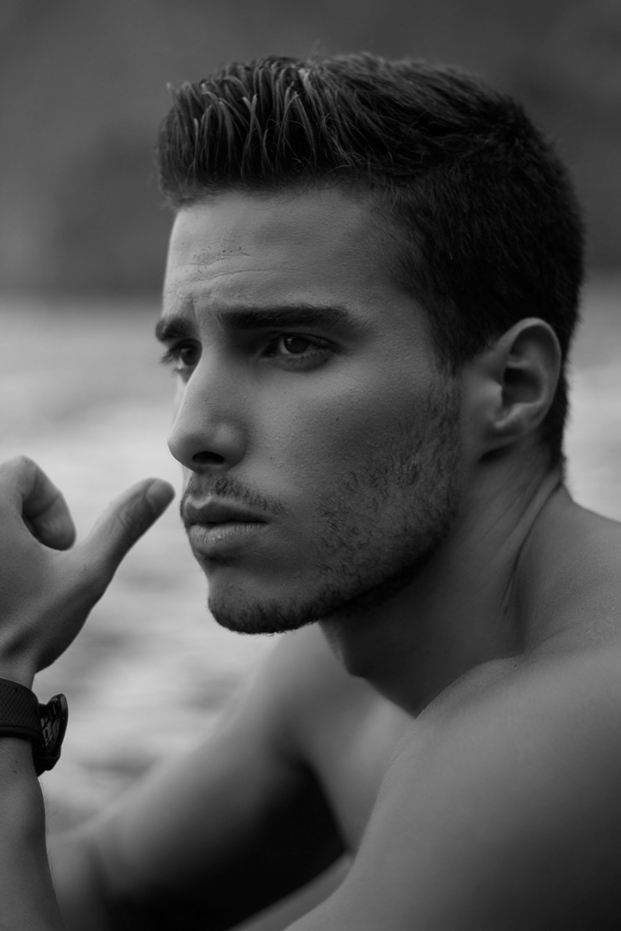 Come on and seen the natural sense with newcomer António Camacho shot by Pedro Miranda. Male up by Cláudia Faria.