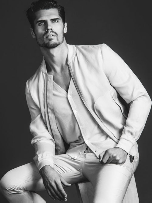 The beauty of Brian Shimansky from Soul Artist Management deck our pages today with stunning shot by Rodolfo Martinez.