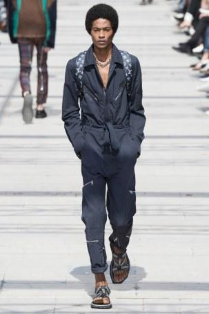 LOUIS VUITTON MENSWEAR SPRING SUMMER 2017 PARIS (25)