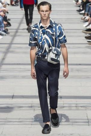 LOUIS VUITTON MENSWEAR SPRING SUMMER 2017 PARIS (39)