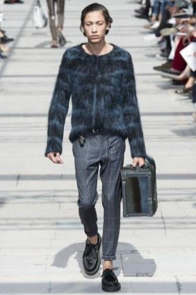 LOUIS VUITTON MENSWEAR SPRING SUMMER 2017 PARIS (4)