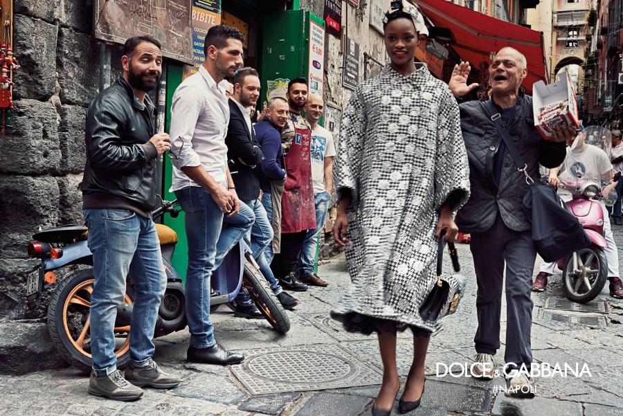 dolce-gabbana-fall-winter-2016-2017-advertisinig-campaign-in-naples-3