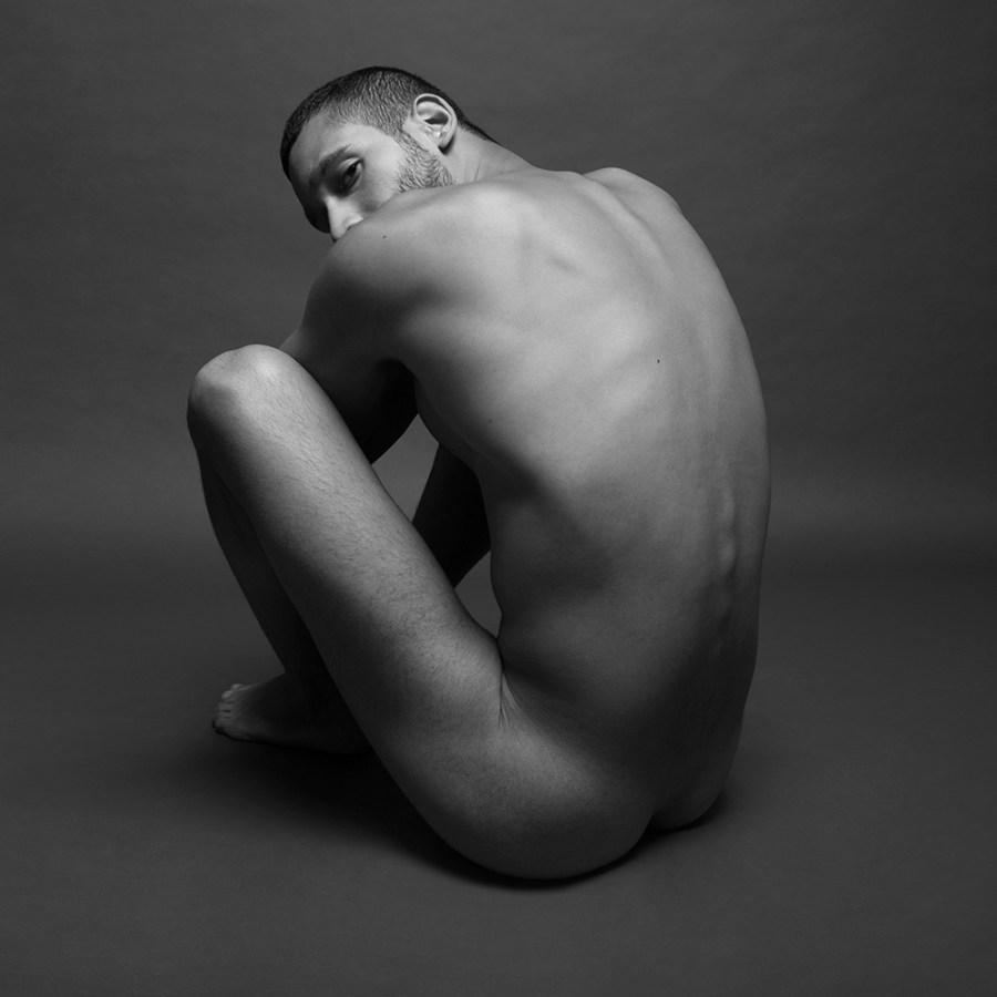 Sergio Acevedo by Ruben Tomas_Fashionably Male_07