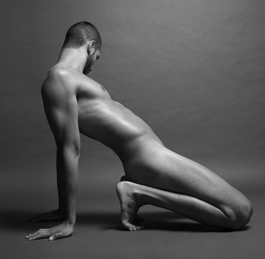 Sergio Acevedo by Ruben Tomas_Fashionably Male_09
