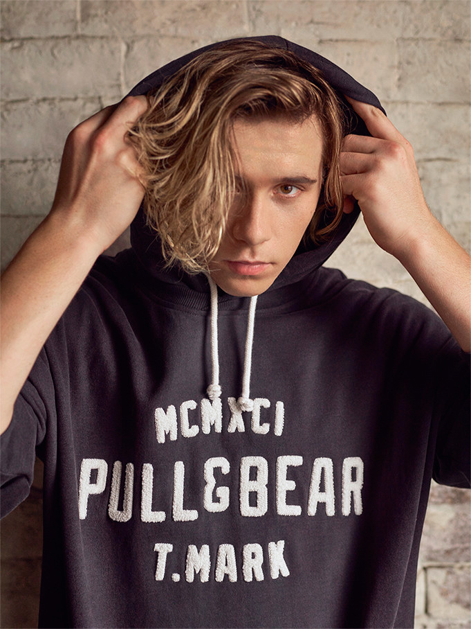 Brooklyn Beckham (London, 1999) perfectly embodies Pull&Bear's key values: youth, creativity, social and environmental commitment and an international spirit