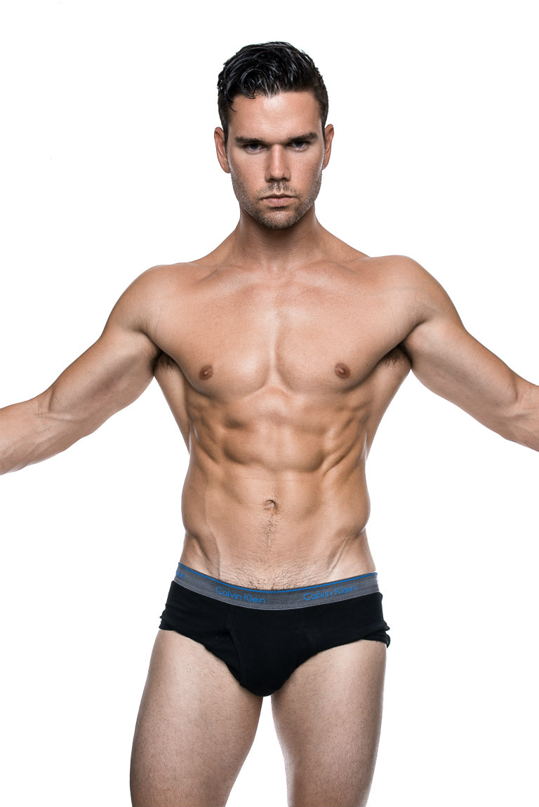 When you have a cute handsome guy, don't need nothing but the cute handsome guy, just check this he's Gavin Williamson, represented by Elite Miami Men portrayed by Fritz Yap.