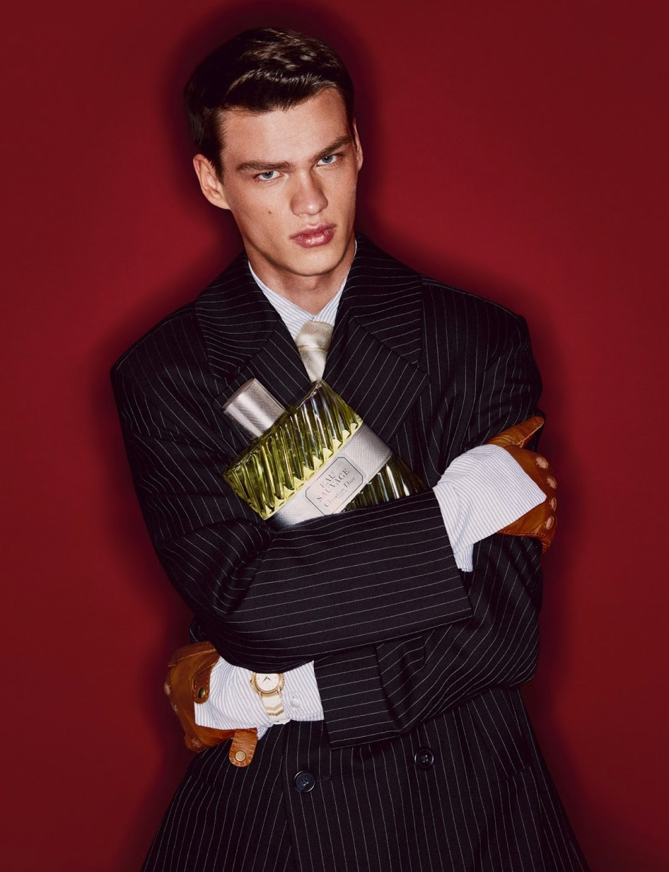 Supermodel Filip Hrivnak stars in Mr.Charming story captured for the September 2016 edition of Elle Men China by fashion photographer John Paul Pietrus. In charge of styling was KK OBI, who for the session selected looks from top brands such as Versace, Topman Design, Dior Homme, Louis Vuitton, Gucci, Dolce & Gabbana, and Fendi among other. Beauty is work of hair stylist Yoshitaka Miyazaki and makeup artist Alex Babsky at Jed Root.