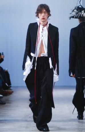 ann-demeulemeester-menswear-fall-winter-2017-paris33