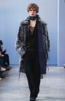 ann-demeulemeester-menswear-fall-winter-2017-paris42
