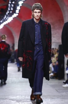 dries-van-noten-menswear-fall-winter-2017-paris40