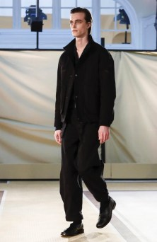 lemaire-menswear-fall-winter-2017-paris11