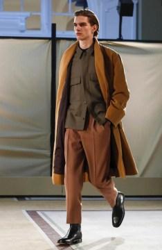 lemaire-menswear-fall-winter-2017-paris24