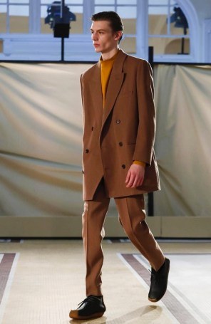 lemaire-menswear-fall-winter-2017-paris33
