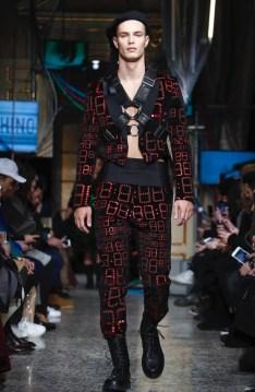 moschino-menswear-pre-fall-fall-winter-2017-milan22