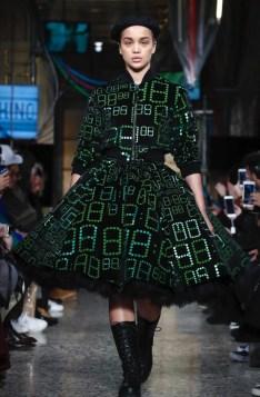 moschino-menswear-pre-fall-fall-winter-2017-milan23