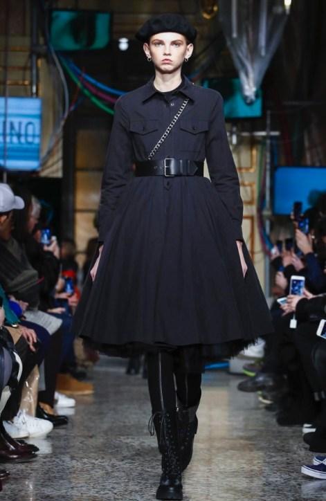 moschino-menswear-pre-fall-fall-winter-2017-milan25