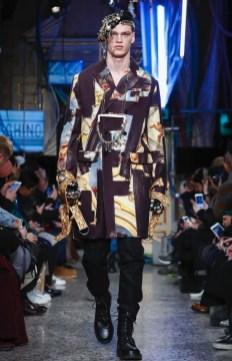 moschino-menswear-pre-fall-fall-winter-2017-milan29